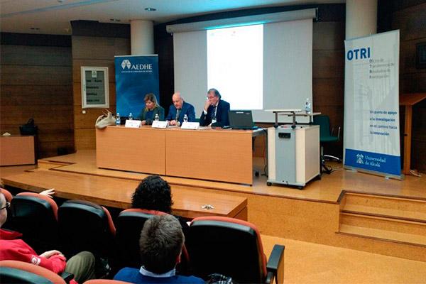 La Universidad de Alcalá fomenta el apoyo a la I+D+i para las pymes del Corredor de Henares