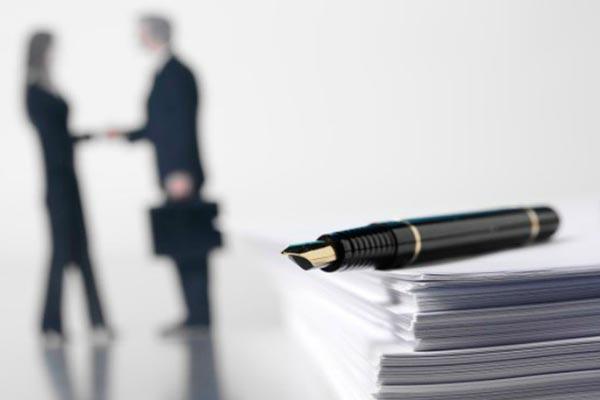 Adjudicación de contrato de servicios