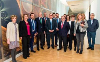 D. Enrique Ruíz Escudero Visita Inmunotek tras recibir el Premio CEIM a la Mejor Empresa Innovadora